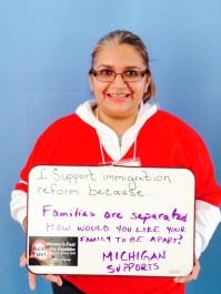 """Gema Lowe, Micah Center/Michigan United. """"Estoy ayunando porque las FAMILIAS están siendo separadas. ¿Te gustaría que te separen de tu familia?"""
