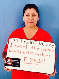 """María Espinosa. """"Estoy ayunando porque quiero que ARREGLEN ya el sistema migratorio que no funciona."""""""